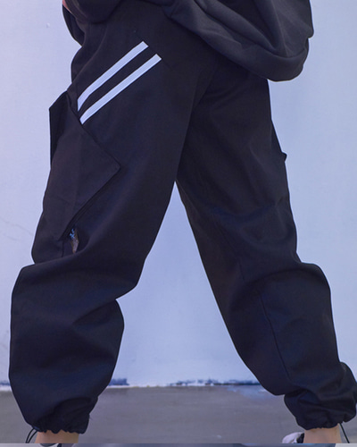 Two Line Cargo Pants - Bk
